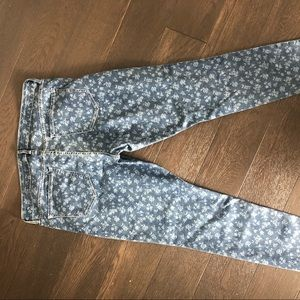 Old Navy Jeans - 💙Floral denim NWOT